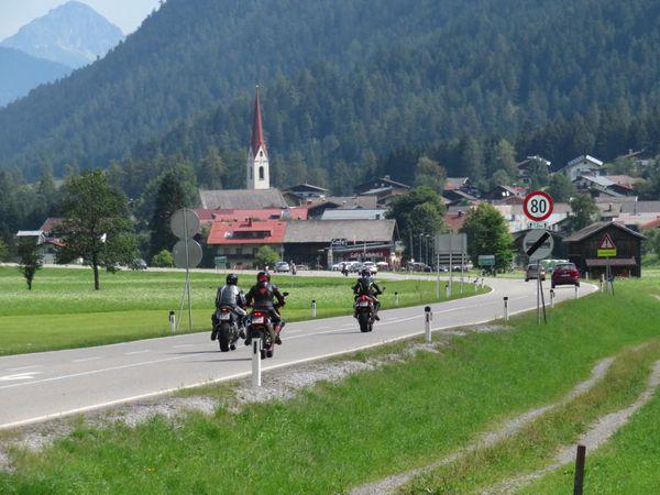 Motorradlärm: FPÖ fordert Lärmradar im Bezirk Reutte