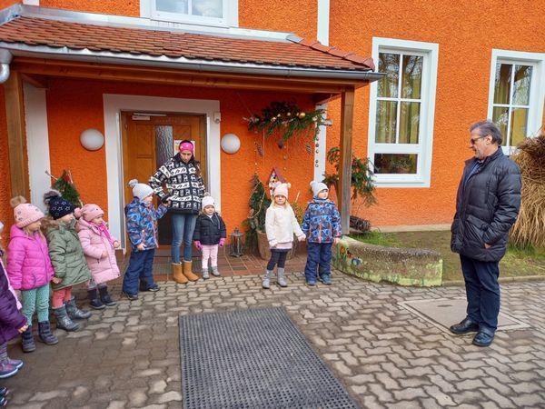 Mooskirchen: Weihnachtsbesuch des Bürgermeisters im Kindergarten