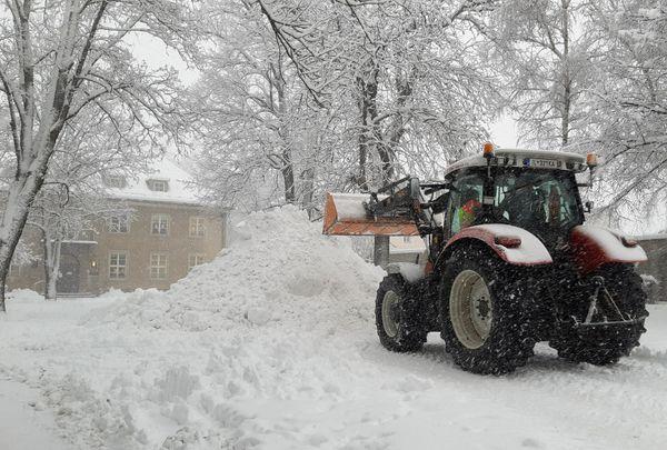 Schneemassen eine Herausforderung für die Stadt Hall