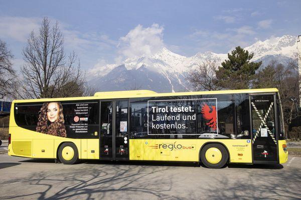 Mobile Teststation in Tirol: Testbus am 15. März in der Stadt Hall
