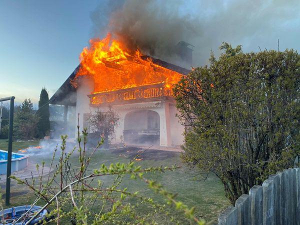 Gestern Abend: Massiver Wohnungsbrand in Villach