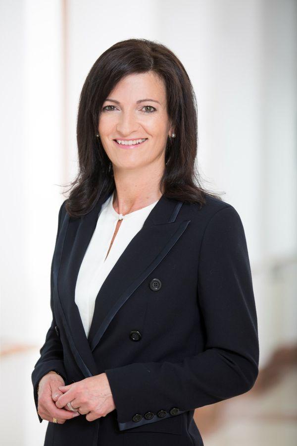 Bürgermeisterwahl 2021 in Oftering: Margit Angerlehner als Bürgermeisterkandidatin der ÖVP nominiert