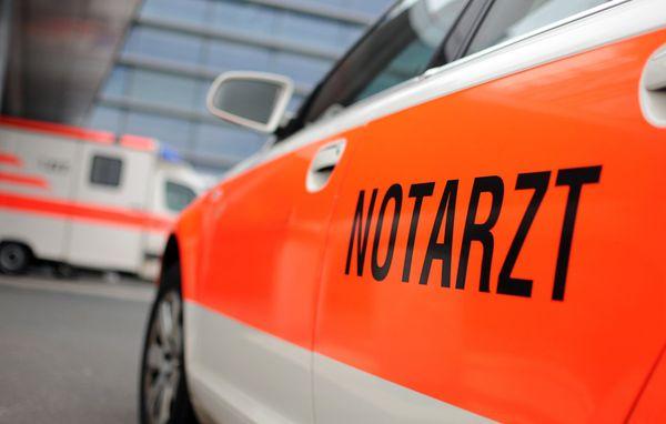 Auto lag auf Dach: 58-Jährige bei PKW-Unfall in Geretsberg verletzt