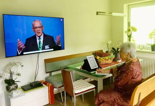 Weltweit virtuell vereint: Jehovas Zeugen halten Sommerkongress virtuell ab