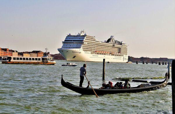 Venedig hat ein Durchfahrverbot, für Kreuzfahrtschiffe beschlossen!