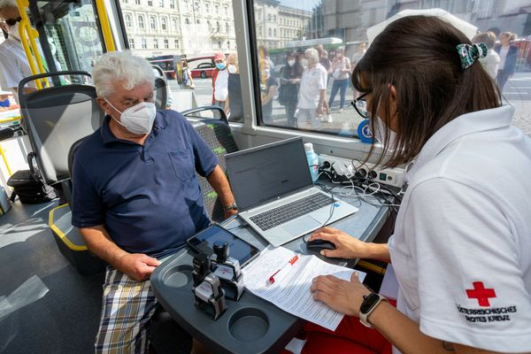 Corona in Salzburg: Im Impfbus werden pro Stopp 100 Personen geimpft