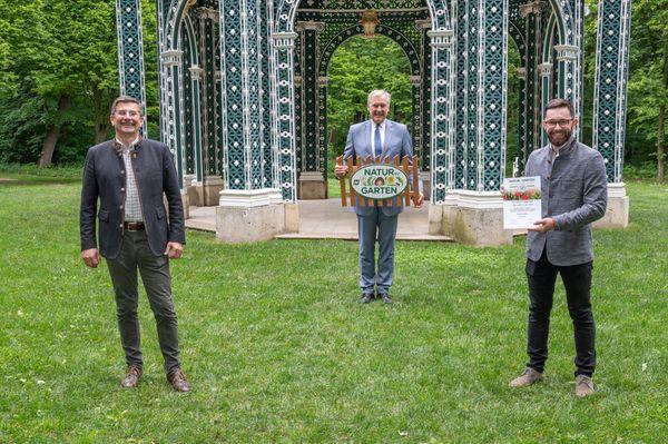 "Bezirkssieger: Götzendorf verzeichnet größten Zuwachs an ""Natur im Garten"" Plaketten"