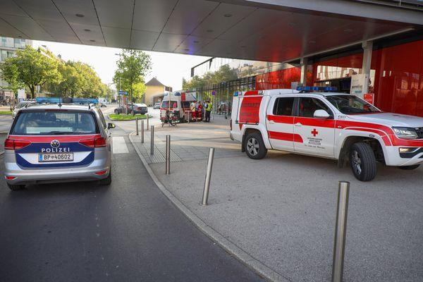 Am Welser Bahnhof: Mann stürzt von Bahnsteig neben Zug