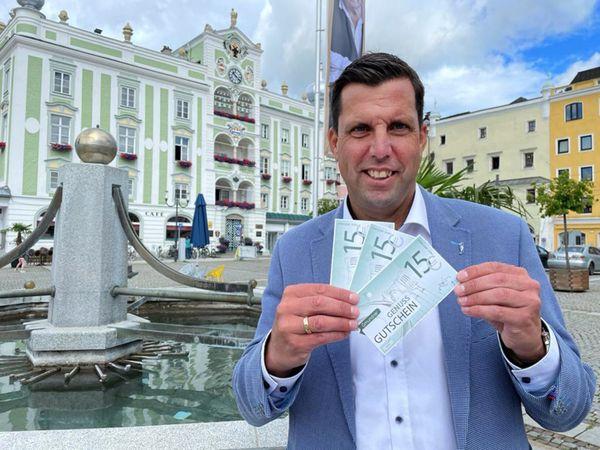 Ein Stück Lebensfreude: 15 Euro-Genussgutschein für jenen Gmundner Haushalt