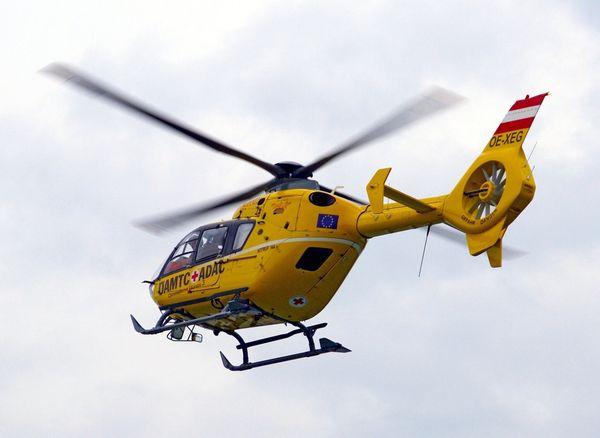 Bezirk Perg: Mann nach Sturz von Leiter mit Hubschrauber abtransportiert