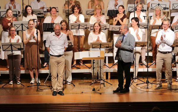 OSGS-Konzerte in Kirchdorf: Silberne Note überreicht
