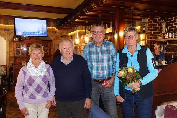 Senioren Hopfgarten: AbschlussWanderung und Essen