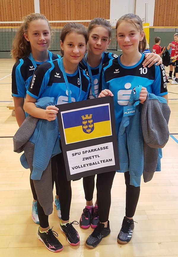 Zwettler Volleyballerinnen erreichen Platz 8 bei der U13-Meisterschaft