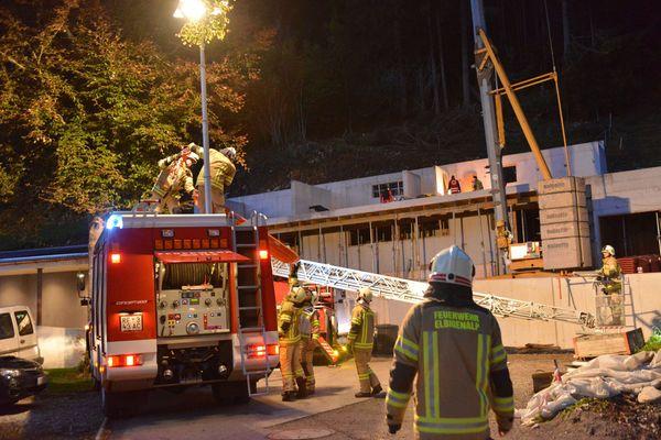 Polizeimeldung Schwerer Arbeitsunfall in Elbigenalp