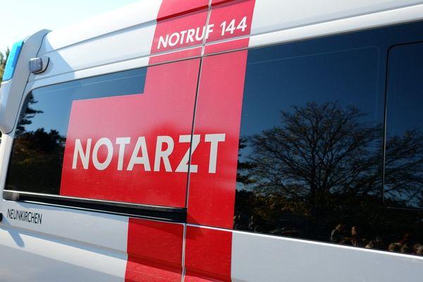 Arbeiter stürzte von Lkw: Schwerer Arbeitsunfall in Otterthal