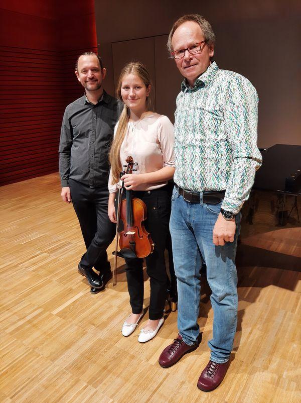 Gold für LMS ENNS: Geigerin schließt Musikschule mit Auszeichnung ab