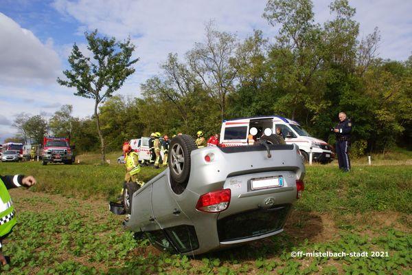 Feuerwehreinsatz: Verletzter nach Unfall auf B 46
