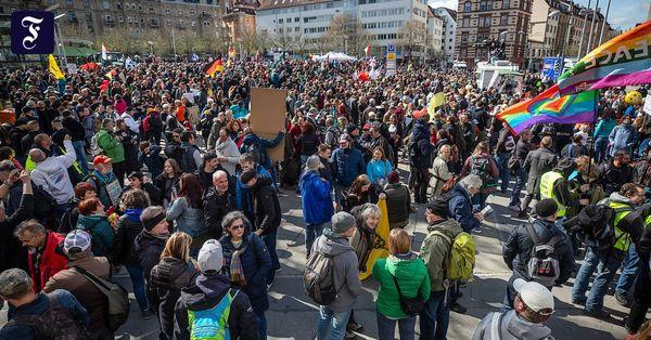 Stuttgarts Oberbürgermeister: Demo-Verbot für Anmelder der Corona-Kundgebung?