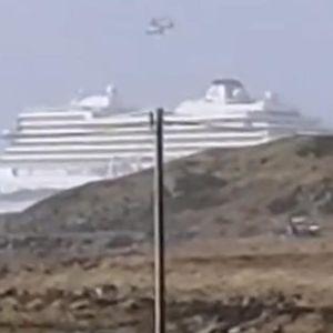 Драматични видеа од евакуацијата на патниците од крузерот крај брегот на Норвешка