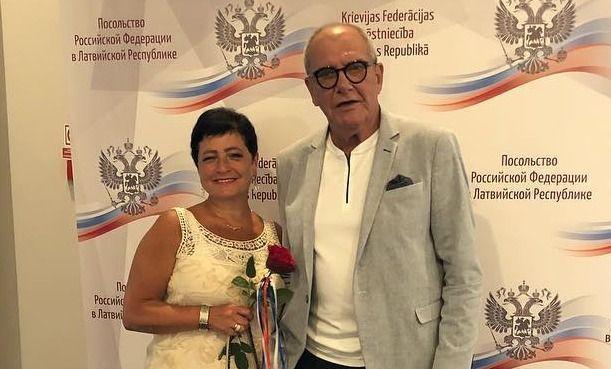 На кого похожа? Эммануил и Ирина Виторган показали лицо младшей дочки