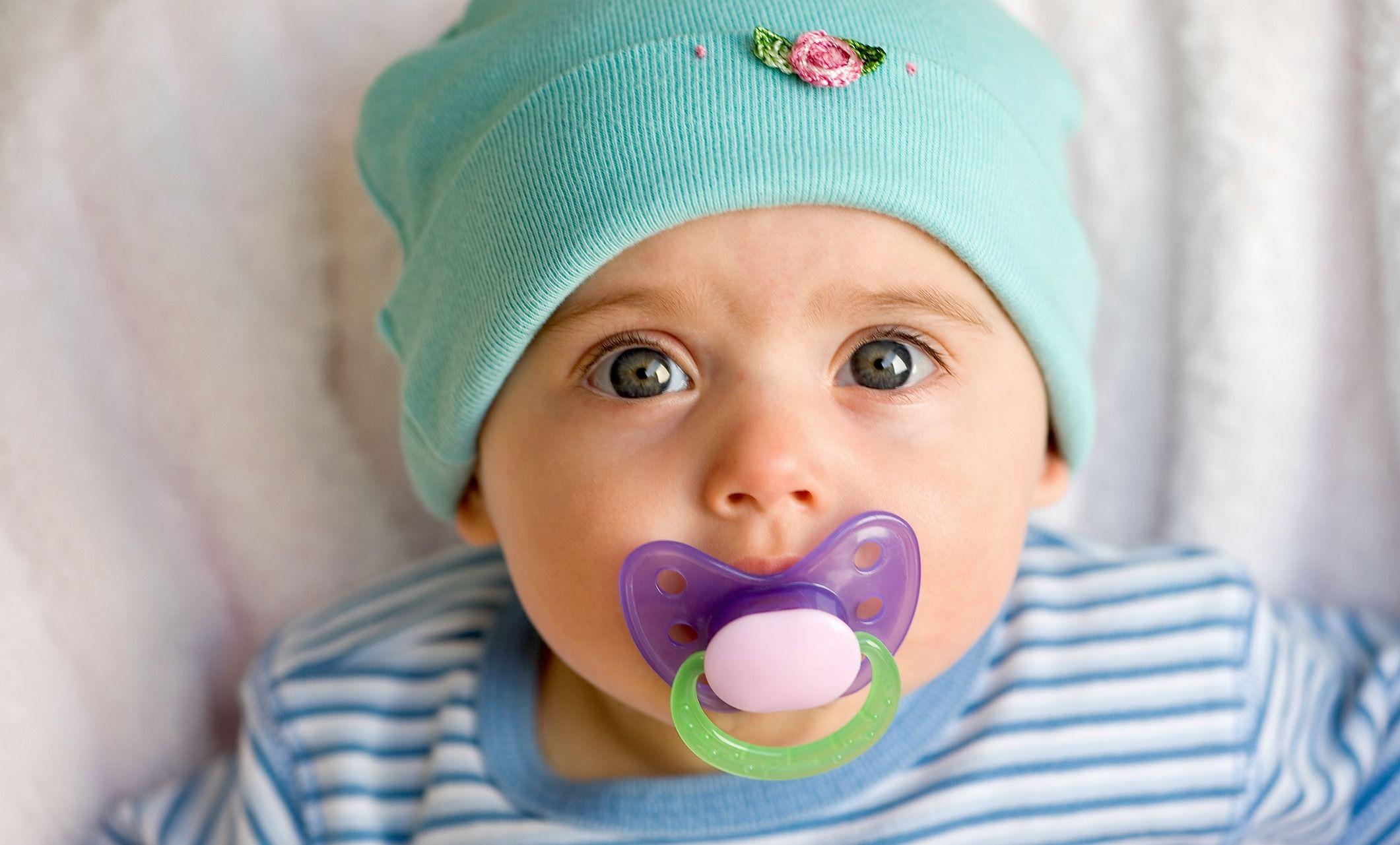 Рождаются с усами и еще 24 невероятных факта о младенцах