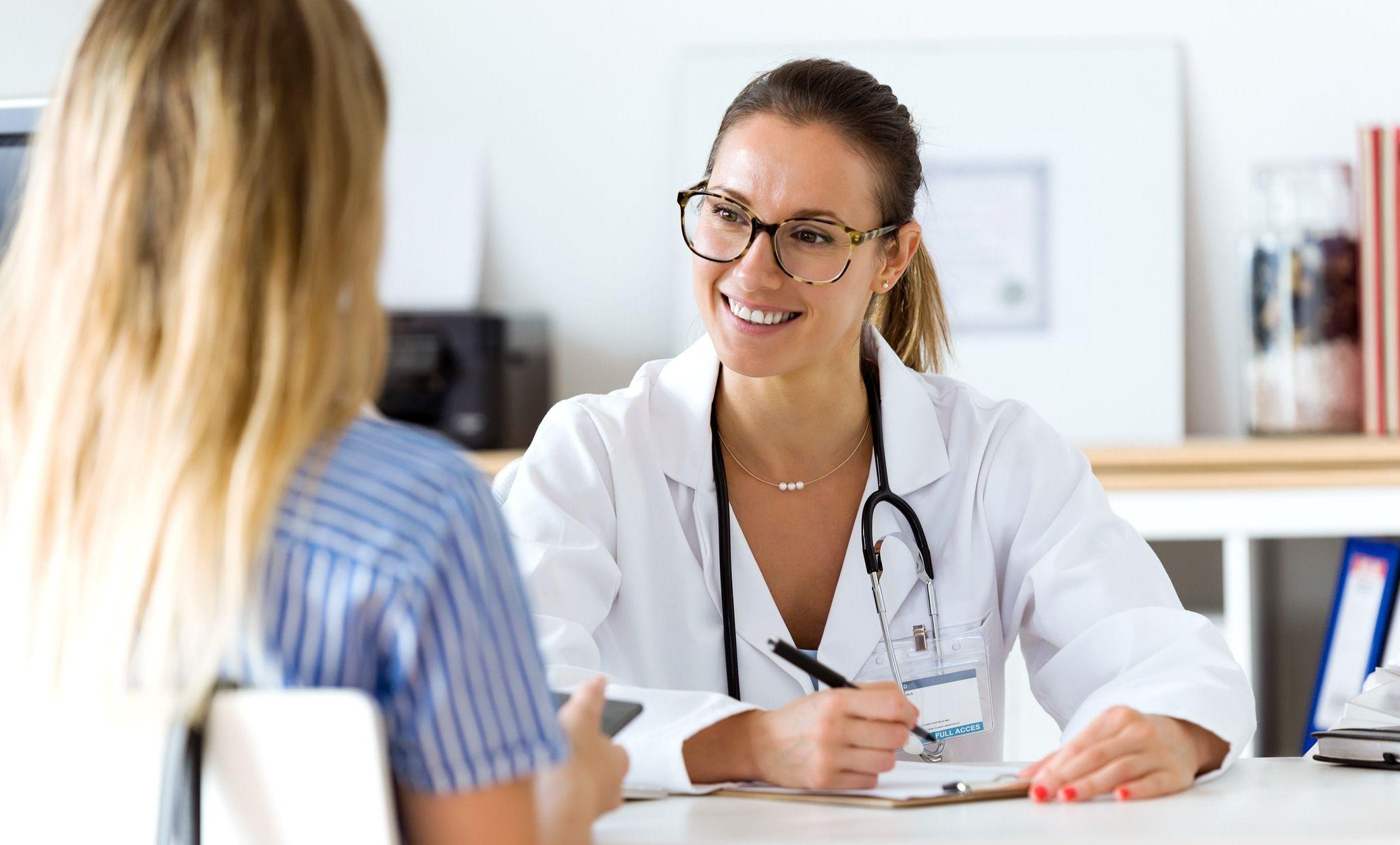 Как получить консультацию врача бесплатно и без очередей