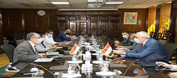The Iraqi ambassador in Cairo discusses with the Egyptian Minister of Electricity, ways of cooperation and transfer of expertise 861349-08264814-535f-4dde-a959-e936e6039c83