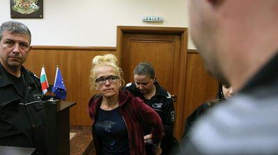"""Съдът остави в ареста бившата кметица на """"Младост"""" и заместничката й"""