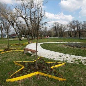 Park prijateljstva seća na prvi skup Pokreta nesvrstanih, kada su PLATANE SADILI PREDSEDNICI država učesnica, uključujući i Tita