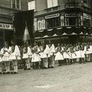 BEOGRAD IZ CRNO-BELIH DANA Na današnji dan 1934. stotine hiljada ljudi slilo se u Beograd, kako bi odali počast ubijenom kralju