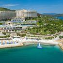 ŠARM SEPTEMBARSKOG SUNCA: Uhvatite divnu bronzanu boju na privatnoj plaži u hotelu na sopstvenom poluostrvu