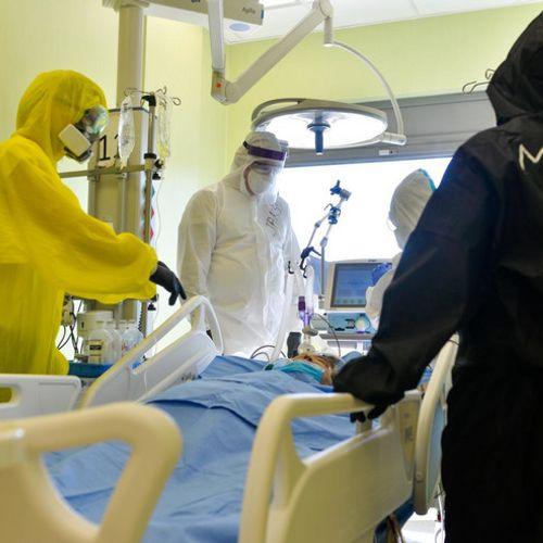 """""""PLAKALI SU I LEKARI I SESTRE, SVI"""" Dr Perišić o smrti porodilje (23) u Nišu: """"Bila je potpuno zdrava pre nego što se zarazila koronom, nažalost nije bila vakcinisana"""""""