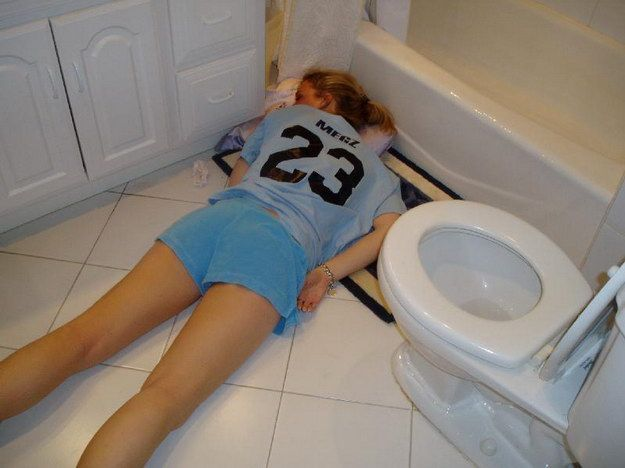 [Image: hangover-girl.jpg]