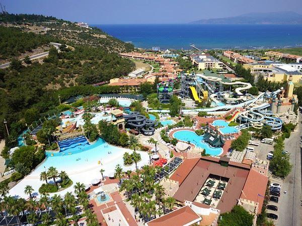 Aqua Fantasy Aquapark Hotel
