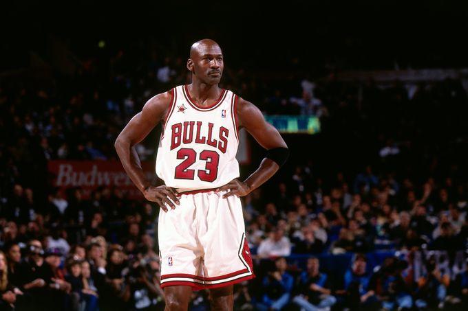 23號球衣歷史最佳陣容:Jordan領銜,湖人兩將上榜,小前鋒並非LeBron