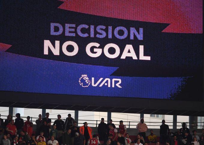 英超裁判檢討VAR運作 主席承認VAR四次睇漏眼