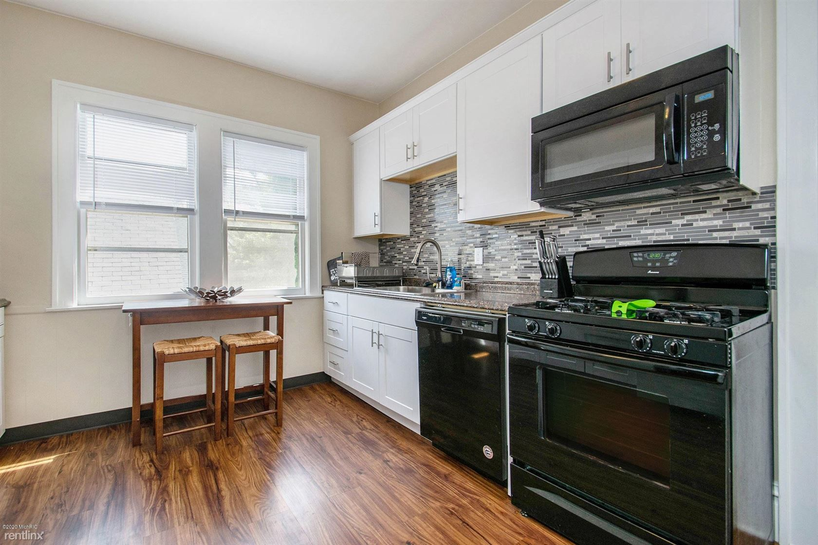 618 Michigan St for rent