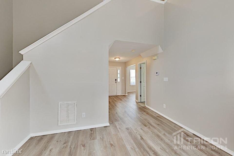 1032 Penncross Drive rental
