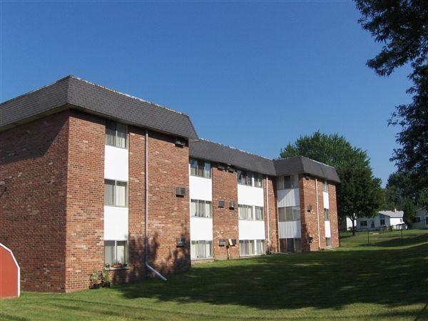 Garden Court Apartments and Townhomes photo
