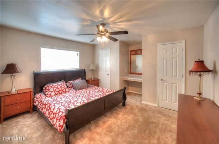 Pointe Plaza rental