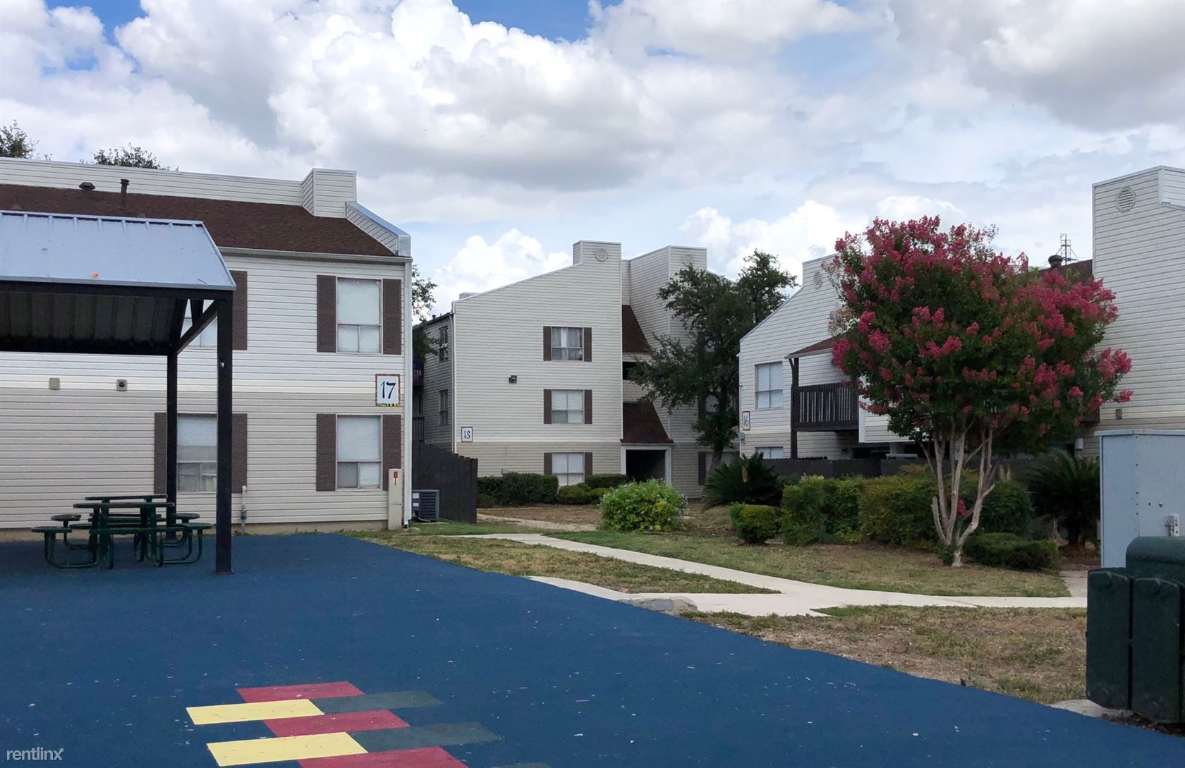 Broadway Oaks Apartment Homes