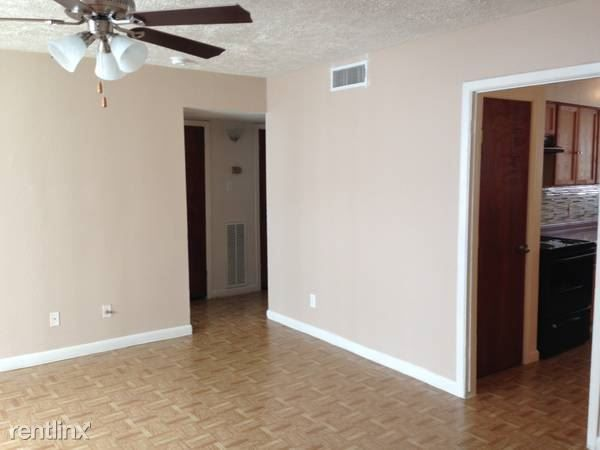 Palm Bluff Apartments