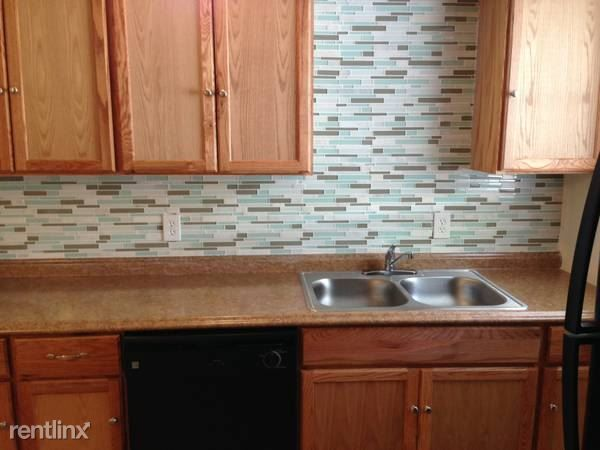 Palm Bluff Apartments for rent