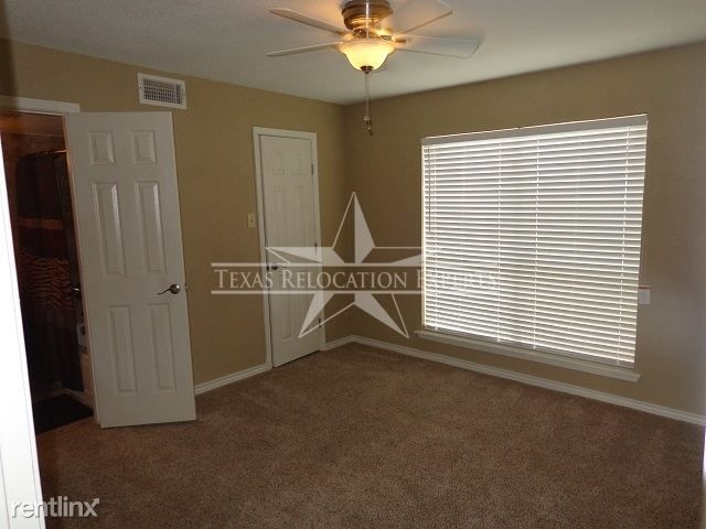 8916 Datapoint Dr rental