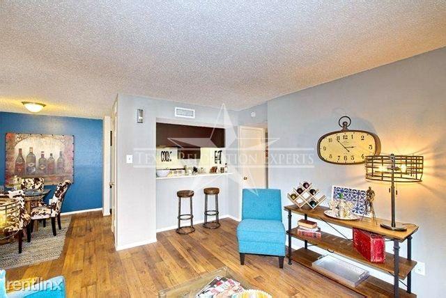 3431 Oakdale St rental