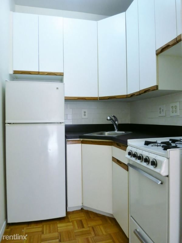 531 E 78th St 3C for rent