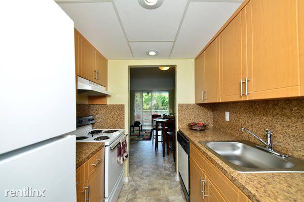 1600 NE 135th St rental