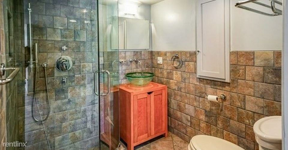 3253 Shasta Cir N for rent