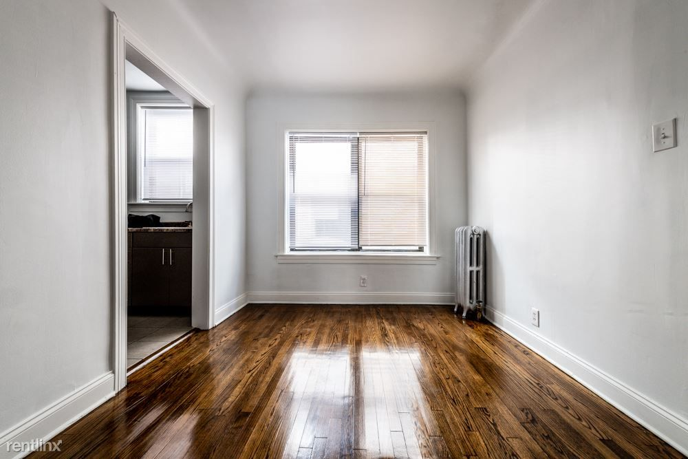 8100 S Essex Ave rental