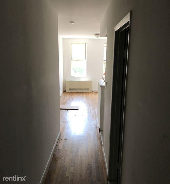 244 E Houston St for rent